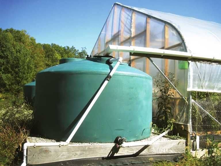 Recomendaciones para integrar el agua de lluvia en su for Estanques para almacenar agua potable