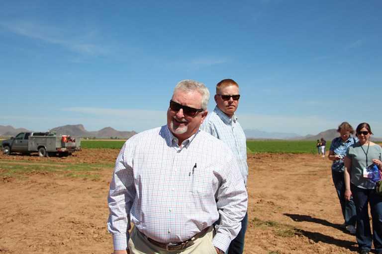 Will Rousseau es el propietrario de Rousseau Farming Company lleva 20 años cultivando en Arizona.