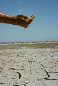 hand_water_drought